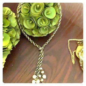 Vintage era 1960s chain ^triangle ^pullie ^pearls